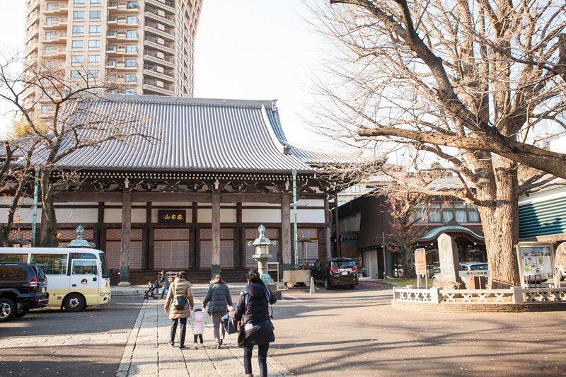 平安時代以来長い歴史を持つ「麻布山 善福寺」