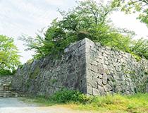 港町として栄えた博多エリア、城下町として発展した福岡(天神エリア)