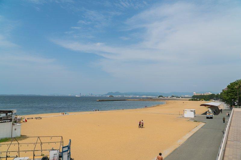 砂羽間が広がる「シーサイドももち海浜公園」