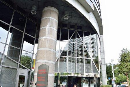 新宿区立角筈図書館