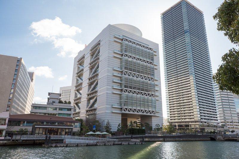 国際会議やイベントに使われる「大阪府立国際会議場(グランキューブ大阪)」